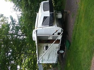 Wildwood Lite Hybrid Travel Trailer, sleeps 6, 3205 lbs