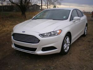 2016 Ford Fusion SE with NAVIGATION, B.U. CAM, ALLOYS