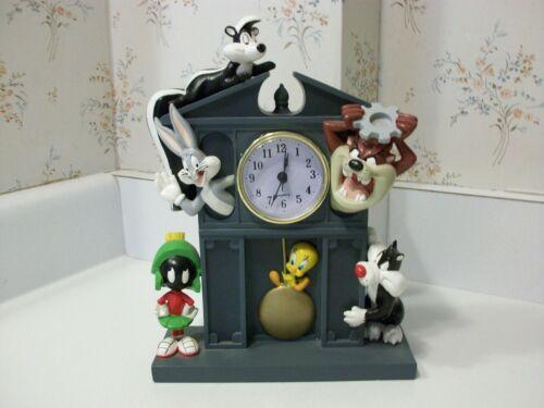1997 Warner Brothers Looney Tunes Desk Mantle Clock Taz Bugs Marvin Tweety Pepe