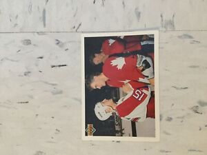 Picture Hull and Lindros Gretzky behind Lindros Olympic Canada