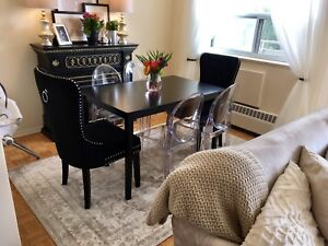 Dining Table! Solid wood!