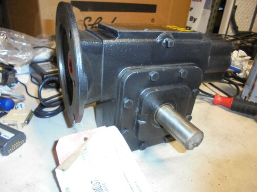 WINSMITH 926MDNE RIGHT ANGLE GEAR REDUCER 10:1 RATIO Worm Drive 1.75 hp input