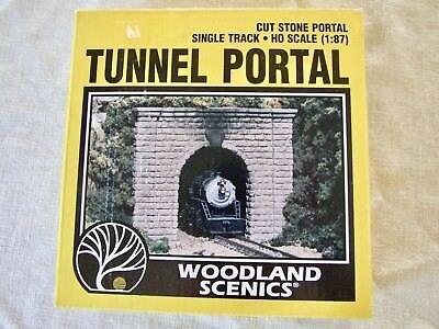 Woodland Scenics Ho Tunnel Portal ( HO Woodland Scenics Cut Stone, Single Track Tunnel Portal)