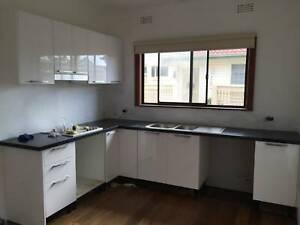 Polyurethane Gloss White Kitchen Cabinet Module No 23889 ...