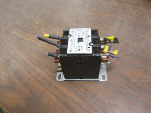 Tyco Electronics Contactor 3100-30Q1028MQ 24V Coil 40A 600V Used