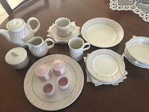 Dinner set  66 pieces Wallsend Newcastle Area Preview