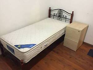 Metal and timber single bed for sale free delivery Beverly Hills Hurstville Area Preview