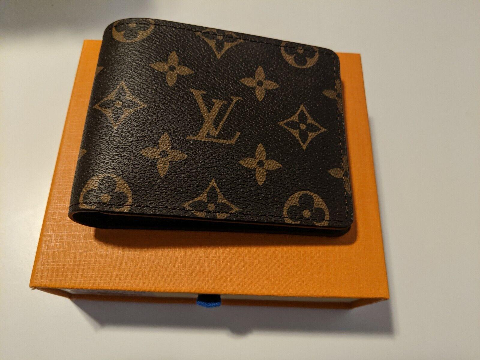 100 AUTHENTIC Louis Vuitton Wallet Monogram