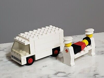 Vintage Lego Legoland Hospital 555 363 Nurse Ambulance Stretcher Minifigure Lot