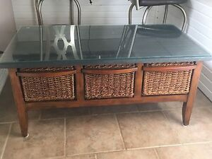 Coffee Table w/Storage Drawers