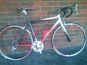 GIANT TCR A2 HALF CARBON RACER IN GOOD CONDITION