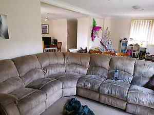 Corner lounge Windsor Hawkesbury Area Preview