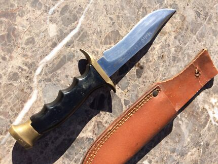 Muelay commando knife