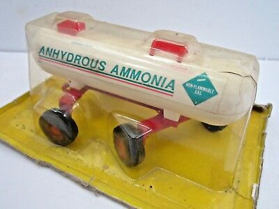 VINTAGE ERTL ANHYDROUS AMMONIA TANK TRAILER DIE CAST TOY IN PARTIAL PACKAGE
