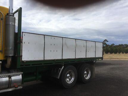 Truck tray steel dropside