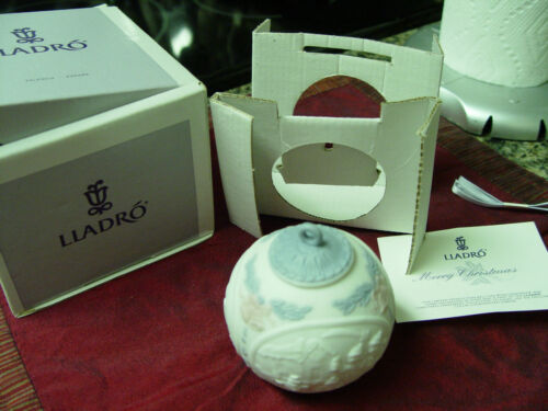 LLadro 1991 Christmas Ball Ornament in original Box # 5829