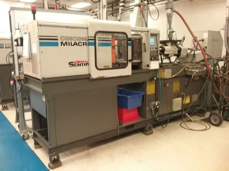55 Ton Cincinnati Injection Molding Machine
