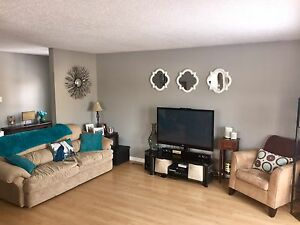 House For Sale in Hay River with Heated Garage. Yellowknife Northwest Territories image 6