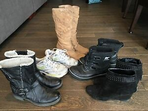 Ladies 10 suede/leather boots, sneakers, Sorels