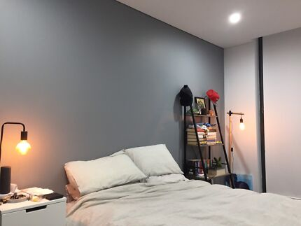 Private bedroom with ensuite in top notch Mascot apartment!