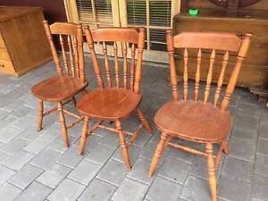 Pine dining chairs x 3 Bentwood back with spindle. Country style. Kewdale Belmont Area Preview