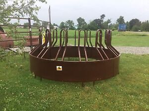 HiQual Tombstone Saver Round Bale Feeder