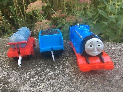 Thomas & Friends Trackmaster 2013 Gordon motorized train engine, tender
