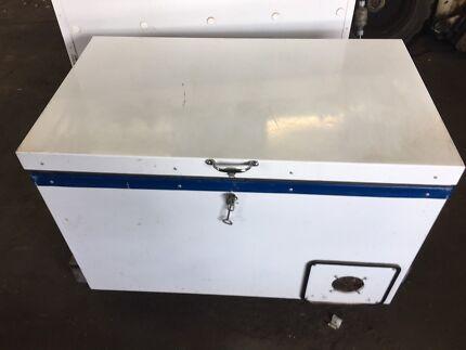 Waeco 12/24v Camp Fridge/freezer