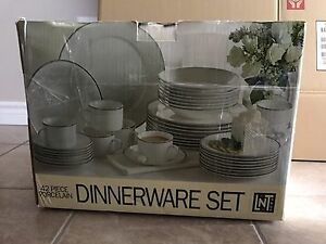 Porcelain 42 piece dinnerware set