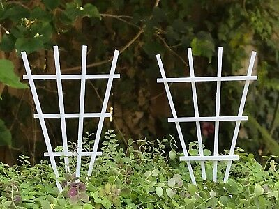 (Miniature Dollhouse FAIRY GARDEN Accessories ~ Set/ 2 V Shape Wood Trellis ~ NEW)