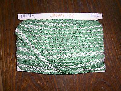 (0,30€/m) grün weiße Borte, Höhe ca. 2cm 50m auf einer Pappe OPEW