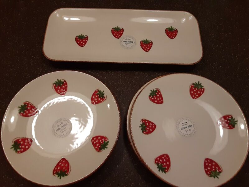Strawberry Hand Painted 4 plates and serving dish Beauriful for Summer New Set