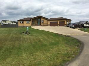 Parkland county amazing acreage bungalow