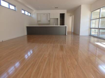 LAMINATE FLOATING FLOORS AND MORE!