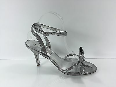 (Nina Womens Metallic Silver Heels 8.5 M)