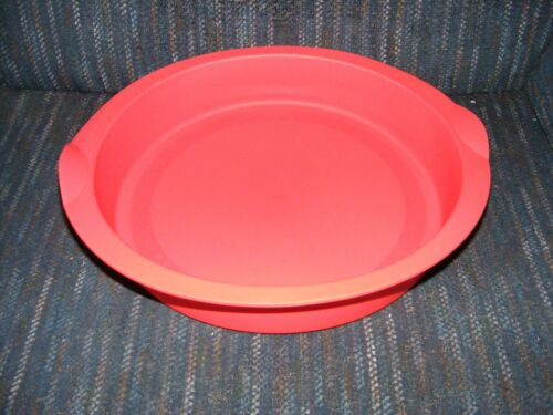 New Tupperware Tupperchef Silicone Round Cake Form Red