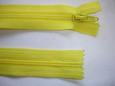 RV392 Reißverschluß YKK gelb 42cm lang, nicht teilbar 2 Stück