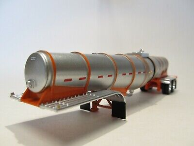 DCP FIRST GEAR 1/64 SCALE POLAR DROP CENTER TANKER, SILVER, ORANGE UNDERCARRIAGE