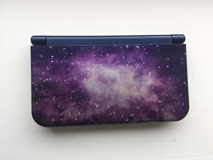 Nintendo 3DS XL Limited Edition: Galaxy Style +Games