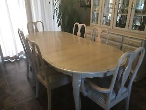 Bleached Oak 7' Table, 2 leaves and 6 Queen Anne Chairs