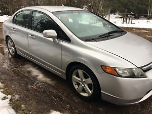 2007 Honda Civic. *Lots of new parts*
