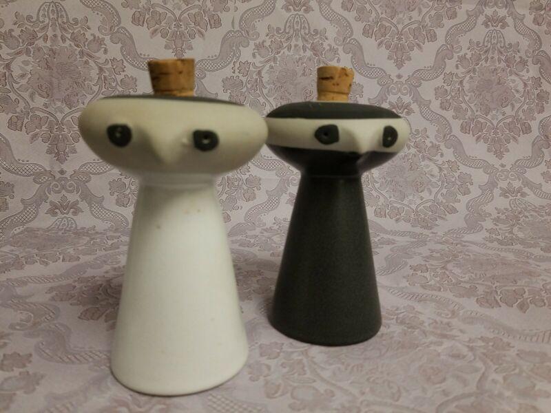 """DAVID GIL for Bennington Pottery VT """"Mr. Salt & Mrs. Pepper"""" Shakers RARE FIND!"""