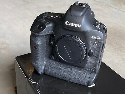 Canon EOS-1DX Mark II Body USED Low Use (3 Batteries)