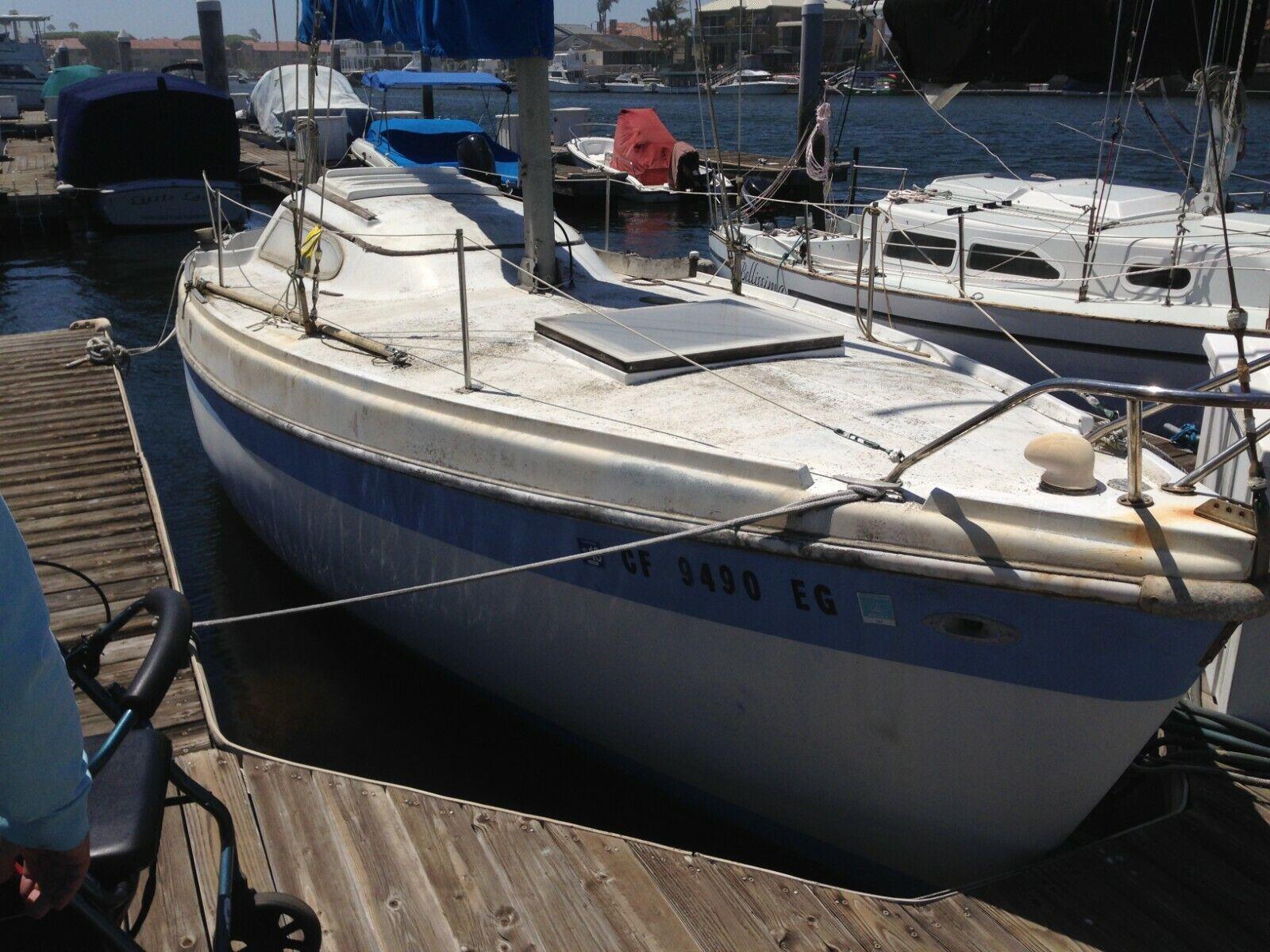 1969 Columbia 26' Sloop Sailboat - Inflatable Dinghy - California