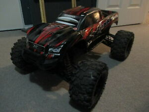 Traxxas X-maxx 6s version  , Batteries and charger included