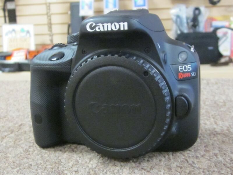 Canon EOS Rebel SL1 EOS 100D 18.0 MP Digital SLR Camera - Black (Kit w/ EF-S IS