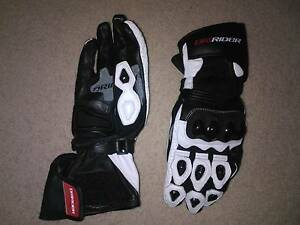 DRI RIDER AIR PRO GLOVES - AS NEW Norwood Norwood Area Preview
