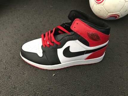 Nike Air Jordan 1 retro black toe High Quality Replica