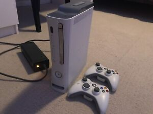 Xbox 360 (White) 2 Controllers, Bundle Of Games