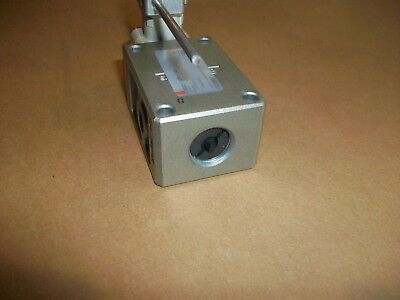Smc Pneumatic Limit Switch Vm830-n01-14  3 Way Spring Back To Center New